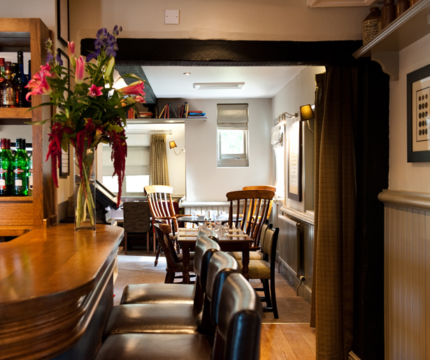 The Queen's Head - View Through to Seating Area